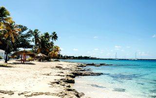 Παραλία στη δυτική πλευρά της νήσου Saint Croix της Καραϊβικής. © Meredith Zimmerman/The New York Times