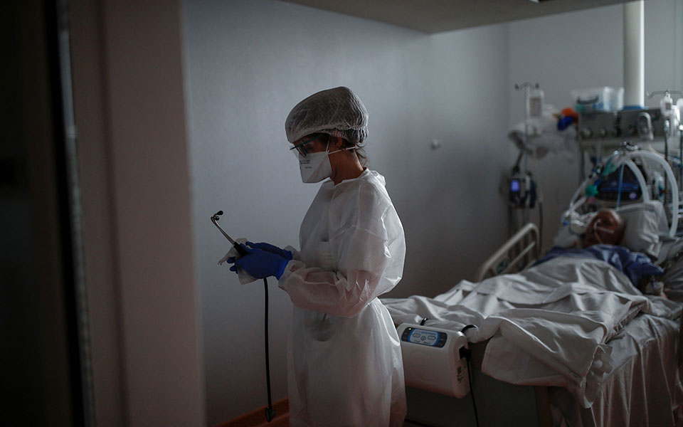 Κορωνοϊός: 3.228 κρούσματα, 776 διασωληνωμένοι, 73 θάνατοι