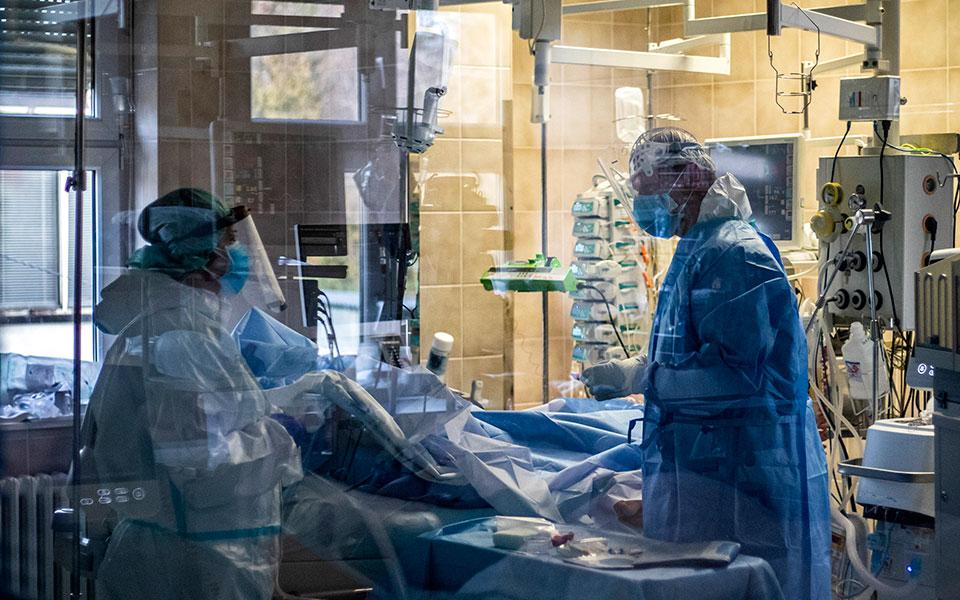 Coronavirus: 3,015 new cases, 86 deaths, 831 intubated