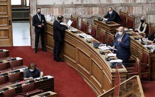 Ο κ. Τσιάρας προανήγγειλε αλλαγές στο νομοσχέδιο σε μια προσπάθεια να πειστούν οι διαφωνούντες (φωτ. INTIME NEWS).