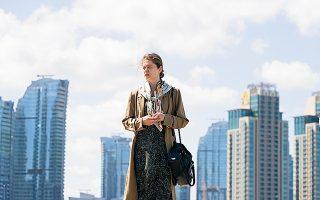 Η Μπουρτσού Μπιριζίκ πρωταγωνιστεί στη σειρά «Φατμά», που προβάλλεται από το Netflix.