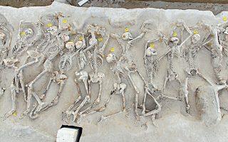 Ενα χρόνο μετά τις σχετικές αποφάσεις, οι Δεσμώτες δεν έχουν αποσπαστεί από τον χώρο ανασκαφής (φωτ. ΑΡΧΕΙΟ ΥΠΠΟΑ).