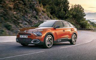 Με δυναμική εμφάνιση και αρκετά στοιχεία από την κατηγορία των SUV, το νέο Citroën C4 C-Cross ουσιαστικά σε προτρέπει για αποδράσεις εκτός πόλης.
