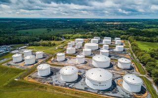 Οι αγωγοί της Colonial Pipeline μεταφέρουν πετρέλαιο και βενζίνη από το Τέξας μέχρι και το Νιου Τζέρσεϊ, καλύπτοντας το 45% των ενεργειακών αναγκών της Ανατολικής Ακτής των ΗΠΑ (φωτ. EPA/JIM LO SCALZO).