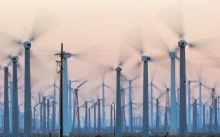 Η Κίνα αντιπροσωπεύει τουλάχιστον το 40% της αύξησης αυτών των μορφών ενέργειας σε παγκόσμιο επίπεδο εδώ και λίγα χρόνια, αν και εξακολουθεί να έχει την πρώτη θέση ανάμεσα σε όλες τις χώρες του κόσμου σε ό,τι αφορά τις εκπομπές καυσαερίων.