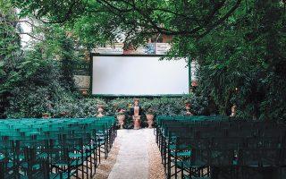 Τα θερινά σινεμά ετοιμάζονται για το άνοιγμα της προσεχούς εβδομάδας τηρώντας όλα τα υγειονομικά μέτρα.