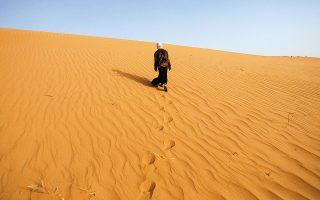 Το Μεγάλο Πράσινο Τείχος θα δημιουργηθεί στο νότιο άκρο της ερήμου Σαχάρας. Ηδη, έχουν φυτευθεί πάνω από 30.000.000 δένδρα που αντέχουν σε συνθήκες ξηρασίας (φωτ. REUTERS/Zohra Bensemra).