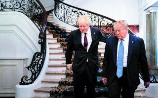 Ο Μπόρις Τζόνσον μάγεψε σημαντική μερίδα της Αγγλίας, που εγκατέλειψε τους Εργατικούς στην κάλπη, θυμίζοντας την τακτική του Ντόναλντ Τραμπ. Φωτ. Erin Schaff / The New York Times