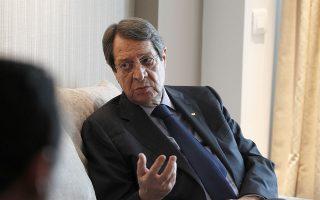 «Ο Μεβλούτ Τσαβούσογλου έθεσε θέμα δύο κρατών και το απέρριψα. Αυτό που πρότεινα ήταν αποκέντρωση εξουσιών», λέει ο πρόεδρος της Κύπρου, Νίκος Αναστασιάδης.  Φωτ. ΑΠΕ- ΜΠΕ/ΑΛΕΞΑΝΔΡΟΣ ΒΛΑΧΟΣ