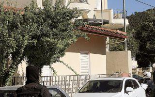 Ο 36χρονος έφθασε χθες στην Αθήνα από την Αλεξανδρούπολη. Στελέχη της ΕΛ.ΑΣ. άφηναν ανοικτό το ενδεχόμενο να κληθεί στη ΓΑΔΑ και ο σύζυγος της 20χρονης, για να βοηθήσει τους αστυνομικούς να καταλήξουν σε συμπεράσματα σχετικά με την εμπλοκή ή μη του Γεωργιανού στην υπόθεση (φωτ. INTIME NEWS).
