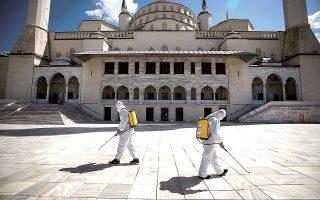 Η τουρκική κυβέρνηση φιλοδοξούσε ώς τώρα να προσελκύσει φέτος πάνω από 31 εκατ. τουρίστες,  προσβλέποντας σε έσοδα ύψους 23,3 δισ. δολαρίων (φωτ. REUTERS).
