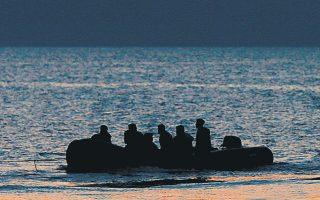 Ο κ. Βαρχέλι σημείωσε ότι η Τουρκία πρέπει επίσης να περιορίσει τις παράτυπες αφίξεις στην Κύπρο (φωτ. A.P. Photo/Petros Giannakouris).