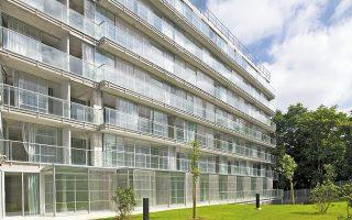 Το έργο των αρχιτεκτόνων Λακατό και Βασάλ, όπως οι κοινωνικές κατοικίες της φωτογραφίας, δείχνει την τάση της Ευρώπης για τον «πράσινο» επαναπροσδιορισμό του δομημένου περιβάλλοντος (φωτ. THE PRITZKER ARCHITECTURE PRIZE ).