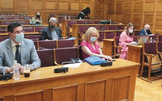 Νέα συνεδρίαση της Προανακριτικής προγραμματίστηκε για αύριο, προκειμένου να συζητηθεί η λίστα των επόμενων μαρτύρων.