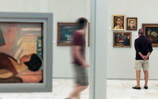 ΠΡΩΤΗ ΕΠΙΣΚΕΨΗ - Το πληθωρικό ταξίδι στους δύο αιώνες νεοελληνικής ζωγραφικής γίνεται πλέον κάτω από πολύ διαφορετικές συνθήκες. (Φωτογραφίες: Διονύσης Ανδριανόπουλος)
