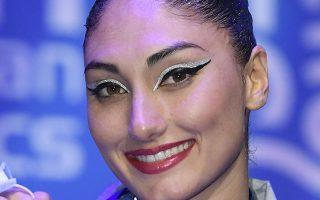 H Ελληνίδα πρωταθλήτρια ανέβηκε μέσα σε δύο μέρες, δύο φορές στο βάθρο του Ευρωπαϊκού Πρωταθλήματος της καλλιτεχνικής κολύμβησης και μίλησε στην «Κ» για τις επιτυχίες της (φωτ. EPA/Tamas Kovacs).