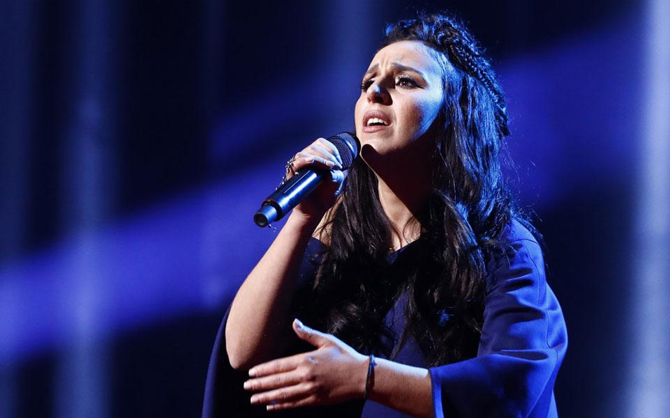 eurovision-i-politiki-piso-apo-tis-notes1