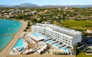 nikki-beach-resort-amp-038-spa-oi-jet-setters-epilegoyn-porto-cheli0