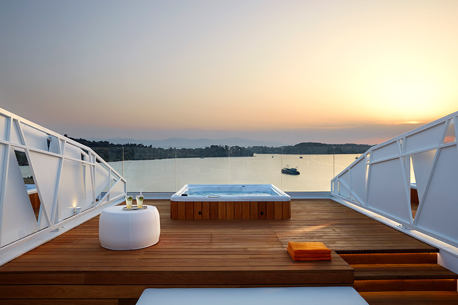 nikki-beach-resort-amp-038-spa-oi-jet-setters-epilegoyn-porto-cheli1
