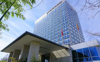 Φωτ: SHUTTERSTOCK - Το ξενοδοχείο INTERCONTINENTAL στη Γενεύη