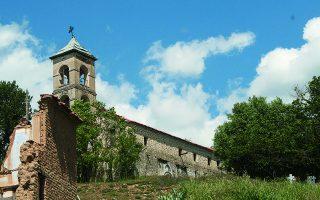 Ο ναός του Αη Νικόλα στο χωριό Τρίγωνο. Εδώ συνήλθε το ανταρτοδικείο και καταδίκασε σε θάνατο τον Ταξίαρχο του ΔΣΕ Γιώργο Γεωργιάδη.