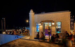 five-keys-to-neo-cafe-bar-sti-chora-tis-kythnoy0