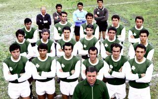 Στις 2 Ιουνίου του 1971, ο «καλπάζων συνταγματάρχης» Φέρεντς Πούσκας και οι παίκτες του Παναθηναϊκού αντιμετώπισαν τους «ιπτάμενους Ολλανδούς» στον τελικό του Κυπέλλου Πρωταθλητριών (φωτ. INTIMENEWS).