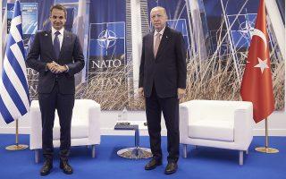 Οπως αποκάλυψε ο Τούρκος πρόεδρος μετά τη συνάντησή του με τον Ελληνα πρωθυπουργό, ο εκπρόσωπος και σύμβουλός του, Ιμπραχίμ Καλίν, δεν ήταν στην αίθουσα για απλή διερμηνεία, αλλά, αντιθέτως, μαζί με την κ. Ελένη Σουρανή στο εξής θα καθορίζουν τα επόμενα βήματα στις επαφές των δύο ηγετών. Φωτ. ΙΝΤΙΜΕ ΝΕWS