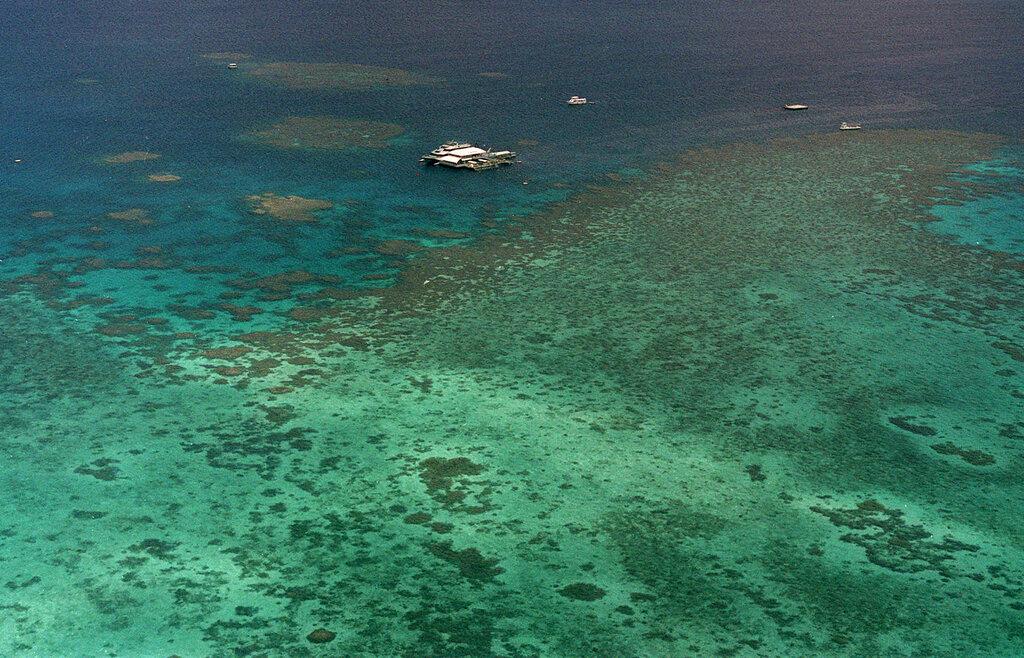 perivallontiki-kontra-oie-aystralias-gia-ton-megalo-koralliogeni-yfalo1