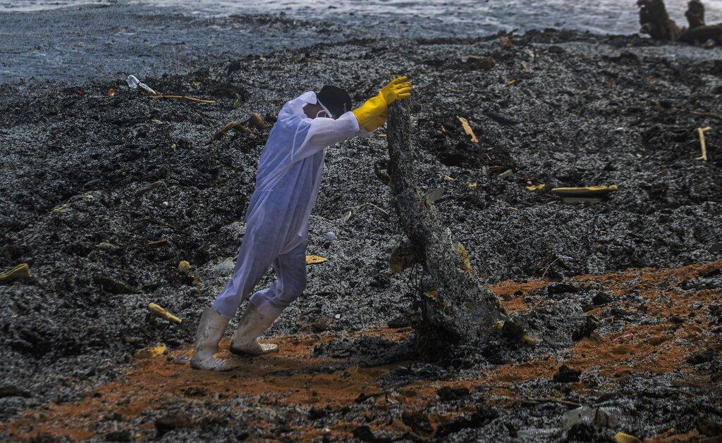 megali-oikologiki-katastrofi-sti-sri-lanka-apo-ti-fotia-se-ploio-konteiner-eikones8