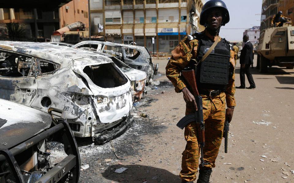 Μπουρκίνα Φάσο: Ένοπλοι σκότωσαν 100 κατοίκους χωριού