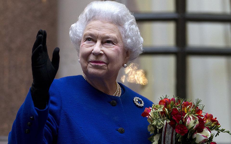 Φοιτητές της Οξφόρδης κατέβασαν πορτρέτο της βασίλισσας Ελισάβετ από κοινόχρηστη αίθουσα