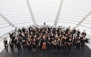 Η Φιλαρμόνια Ορχήστρα Αθηνών έχει ως καταστατικό στόχο τη συστηματική και δημιουργική ενασχόληση με τη νεοελληνική έντεχνη μουσική δημιουργία.