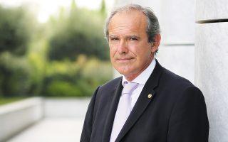 Ο διευθύνων σύμβουλος του Ομίλου Χρηματιστηρίου Αθηνών, Σωκράτης Λαζαρίδης, προαναγγέλλει τη δημιουργία ενός δείκτη περιβαλλοντικών και κοινωνικών κριτηρίων –ESG–, ο οποίος θα μπορούσε να έχει το ίδιο μέγεθος, από άποψη αριθμού εταιρειών, με τον Γενικό Δείκτη του Χ.Α.
