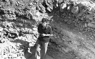 Στον Ραμνούντα ο Β. Πετράκος αφιέρωσε μεγάλο μέρος της ζωής του και μια πολύτομη δημοσίευση των ανασκαφών και των εξαιρετικά σημαντικών επιγραφών.