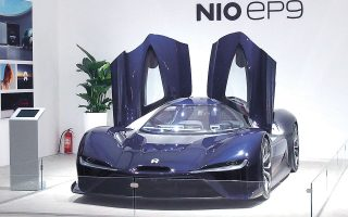 Εκτιμάται ότι η επόμενη Tesla θα προέρχεται από την Κίνα. Οι καταναλωτές στη χώρα διψούν για καινούργια τεχνολογία και η κυβέρνηση είναι πρόθυμη να στηρίξει την ηλεκτροκίνηση, δίνοντας προβάδισμα στις κινεζικές νεοφυείς. H Νio, η μεγαλύτερη εξ αυτών, παρήγαγε 44.000 οχήματα το 2020 (φωτ. Shutterstock).