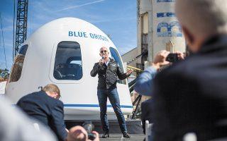 Η Blue Origin, η εταιρεία πυραύλων που ο Τζεφ Μπέζος ίδρυσε πριν από περισσότερο από δύο δεκαετίες, αναμένεται να πραγματοποιήσει την πρώτη της επανδρωμένη διαστημική πτήση. (Φωτ. Nick Cote / The New York Times)