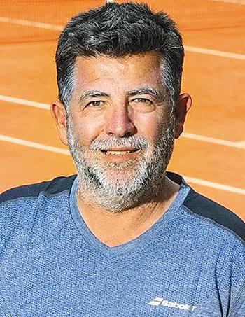 stefanos-tsitsipas-kontra-ston-novak-tzokovits-tha-prospathisei-na-grapsei-istoria-sto-elliniko-tenis1