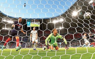 Από το αυριανό πρόγραμμα ξεχωρίζει το ντέρμπι Πορτογαλία - Γερμανία. Τα «πάντσερ» μετά την ήττα από τους Γάλλους (φωτ.) θέλουν τη νίκη για να μην μπουν σε περιπέτειες.