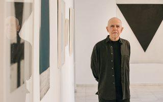O Eλληνοαμερικανός καλλιτέχνης παρουσιάζει στην γκαλερί Citronne την έκθεση «Διαδρομές», όπου συνενώνονται 4 δεκαετίες της καλλιτεχνικής διαδρομής του.