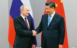 Οι αντιδημοκρατικές ιδεολογικές ομοιότητες είναι αυτές που ωθούν τους προέδρους Σι και Πούτιν σε συνεργασία. «Για τη Ρωσία, όμως, κάθε υπερβολική προσέγγιση με την Κίνα θεωρείται επικίνδυνη», λέει η καθηγήτρια του Πανεπιστημίου της Μόσχας Βικτόρια Ζουράβλεβα (φωτ. Ramil Sitdikov).
