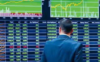 Αν κάποιος δει τι περιμένουν οι οίκοι σε ό,τι αφορά την ανάπτυξη τόσο το 2021 όσο και τα επόμενα χρόνια για την ελληνική οικονομία, θα καταλάβει ότι η αγορά μόνον ανοδικά μπορεί να κοιτάει, τονίζουν χρηματιστηριακοί αναλυτές.