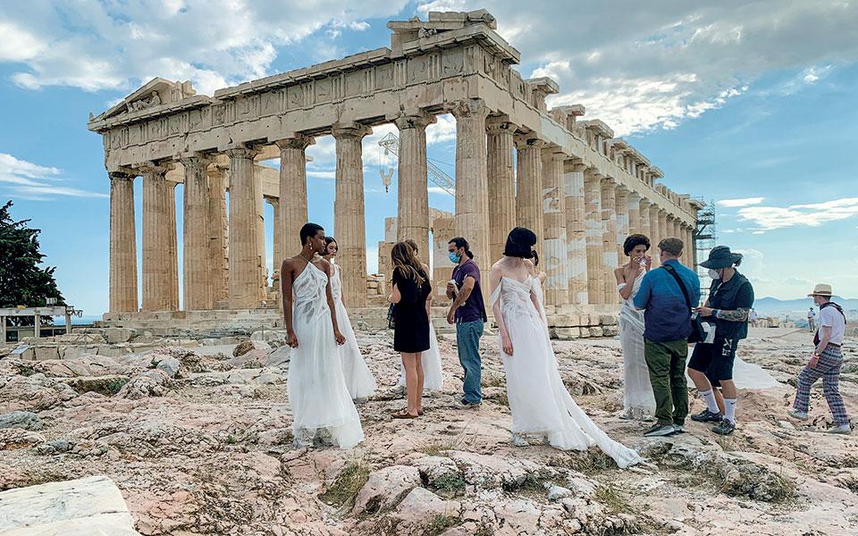 1951-2021-dior-stin-akropoli-evdominta-chronia-meta7