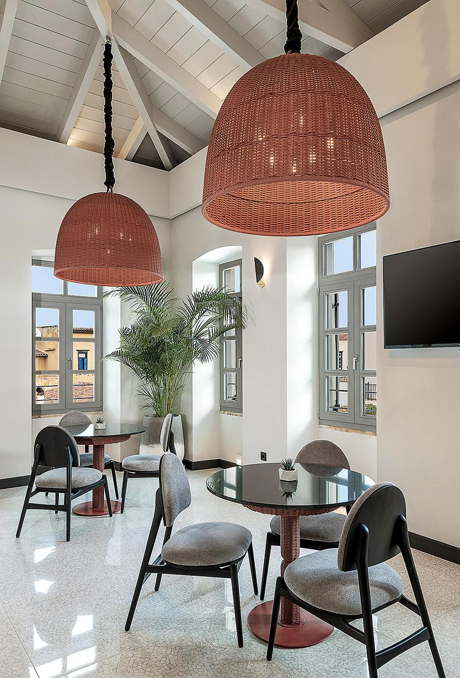 to-malmo-historic-hotel-itan-kapote-vivliothiki5