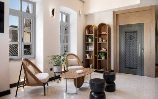 to-malmo-historic-hotel-itan-kapote-vivliothiki-561401704