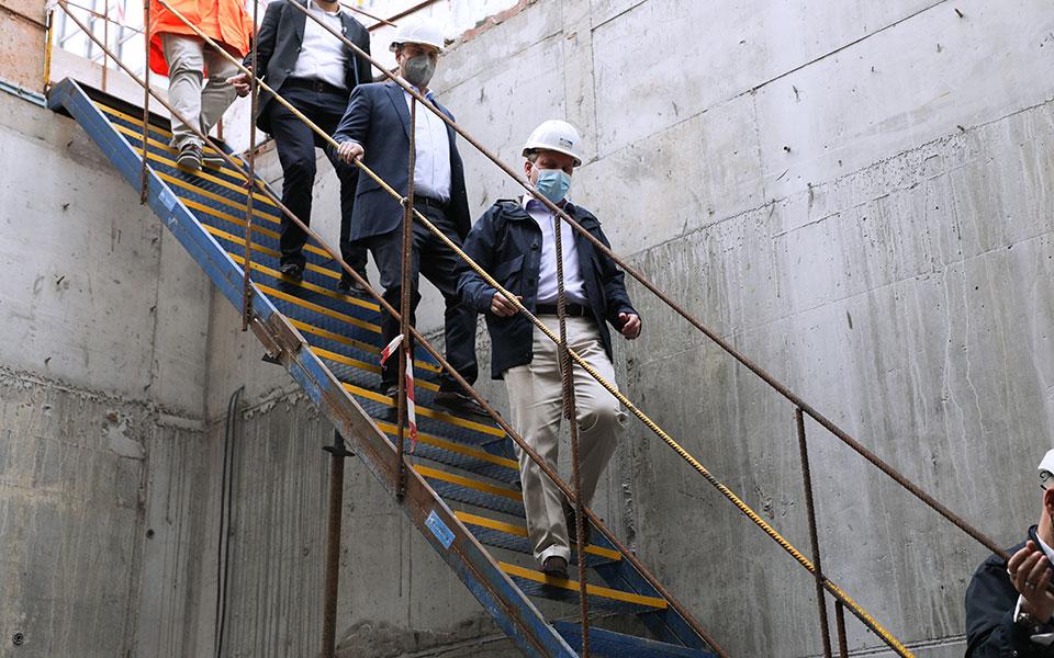 karamanlis-gia-metro-peiraia-to-kalokairi-toy-2022-tha-paradothoyn-sto-koino-oi-treis-stathmoi5