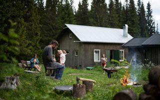Στιγμιότυπο οικογενειακής καθημερινότητας στη σουηδική ύπαιθρο. ΦΩΤΟΓΡΑΦΙΕΣ: FRIDA TORGEBY