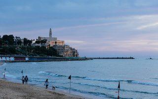 Σούρουπο στην παραλία Charles Clore, γνωστή και ως Alma beach, με θέα την Παλιά Γιάφα. (Φωτογραφίες: Yadid Levy)