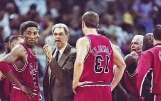 Ανάμεσα στους παίκτες της μαγικής ομάδας των Σικάγο Μπουλς της δεκαετίας του 1990, με την οποία ο Τζάκσον κατέκτησε έξι δαχτυλίδια πρωταθλητή.