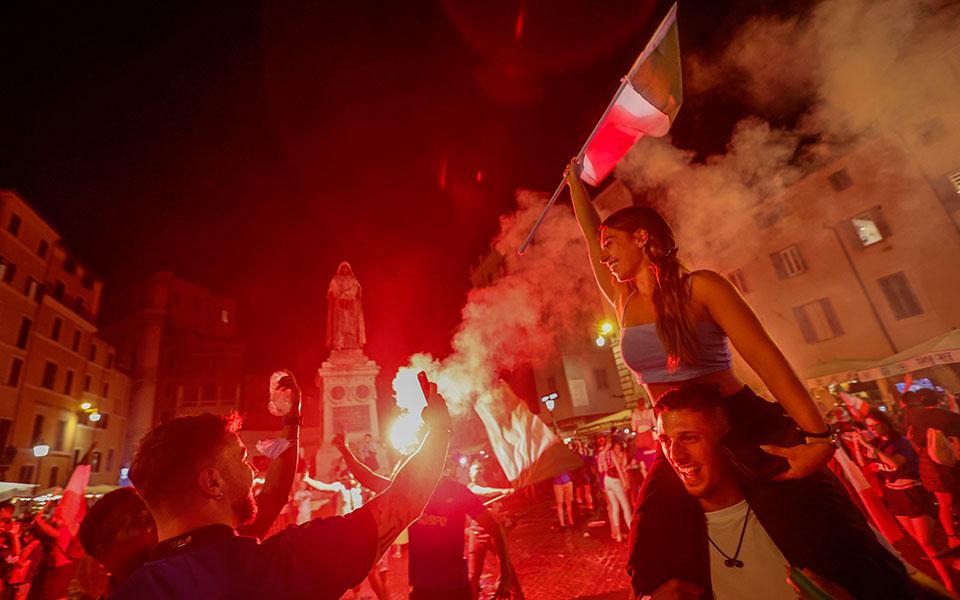 euro-2020-olonychtioi-panigyrismoi-stin-italia-vinteo-fotografies3